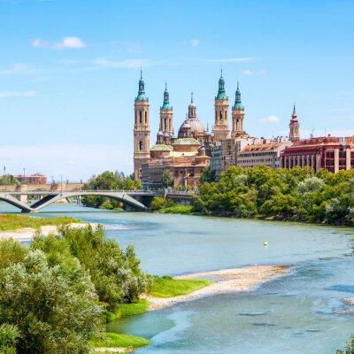 Adesivo Veduta aerea di Saragozza, in Spagna con la Basilica