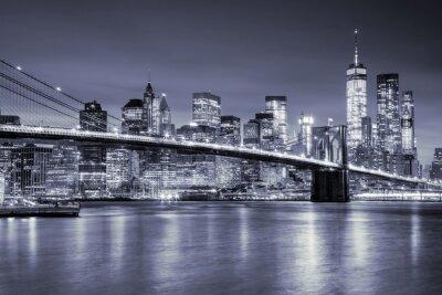 Adesivo Vista di Manhattan e Ponte di Brooklyn di notte, New York City
