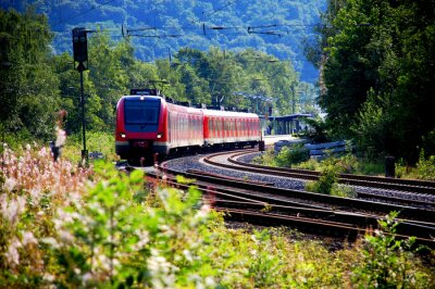 Adesivo Zug verlässt den Bahnhof, Abfahrt