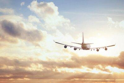 Carta da parati aereo nel cielo al tramonto