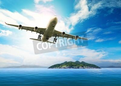 Carta da parati aereo passeggeri in volo sul bellissimo mare blu e isola di destinazione purezza uso spiaggia del mare per le vacanze estive vacanze treveling