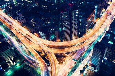 Carta da parati Aerial vista svincolo autostradale di notte a Tokyo, Giappone