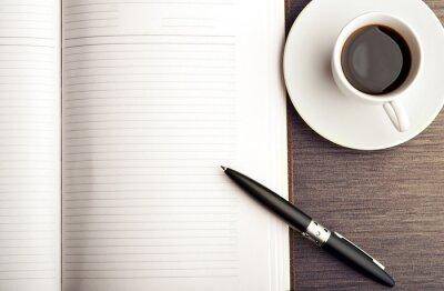 Carta da parati Aprire un quaderno bianco bianco, penna e caffè sulla scrivania