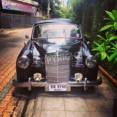 Carta da parati Auto d'epoca Mercedes Benz parcheggiata in vicolo