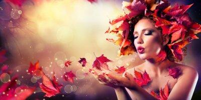 Carta da parati Autunno donna che soffia foglie rosse - Bellezza Moda ragazza modello