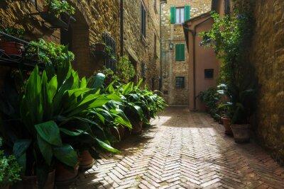 Carta da parati Belle strade del borgo medievale della Toscana in Italia, Pienz