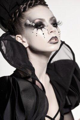 Carta da parati bellissima modella posa come regina di scacchi - fantasia make-up