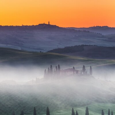 Carta da parati Bellissimo paesaggio Toscana all'alba, Italia