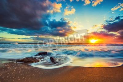 Carta da parati Bello cloudscape sopra il mare, girato alba