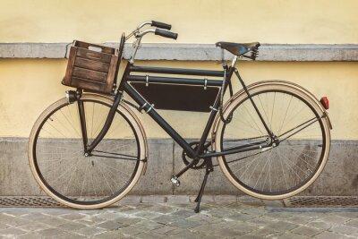 Carta da parati biciclette d'epoca con cassa di legno