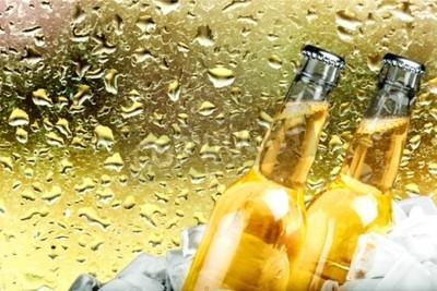 Carta da parati Birra, Bottiglia di birra, ghiaccio.