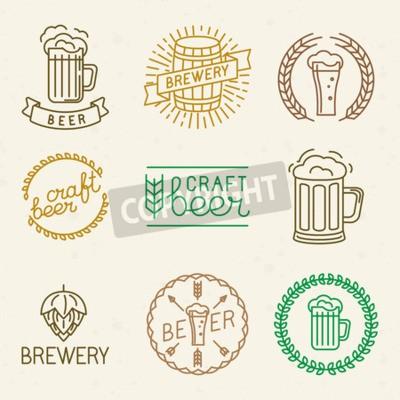 Carta da parati birra e birra loghi e segni in stile lineare di tendenza artigianali Vettore - distintivi della linea mono ed emblemi con testo e scritte per birrerie, pub e le società di produzione di birra