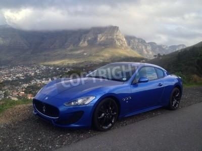 Carta da parati Blu Maserati con la Table Mountain in background