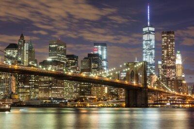 Carta da parati Brooklyn Bridge e il centro di grattacieli di New York al crepuscolo