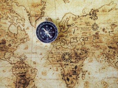 Carta da parati Bussola sulla mappa d'epoca. Stile retrò.