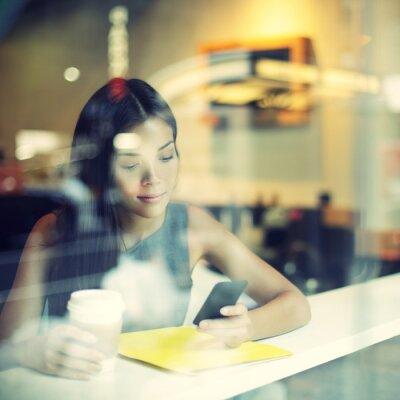 Carta da parati Cafe città stile di vita della donna sul caffè telefono bere