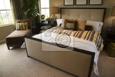 Camera da letto del progettista con mobili contemporanei e ...