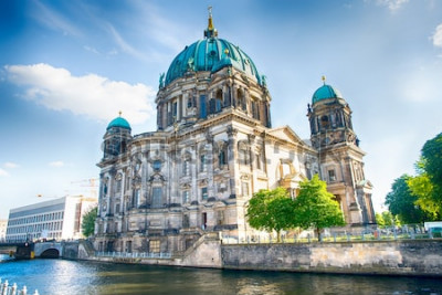 Carta da parati Cattedrale di Berlino a Berlino in una bella giornata estiva