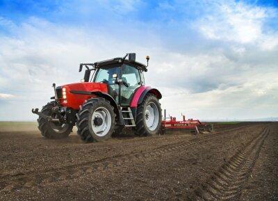 Carta da parati Coltivatore in trattore terra preparazione per la semina