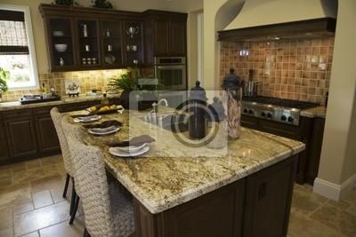 Cucina di design moderno con piastrelle marrone e una isola di