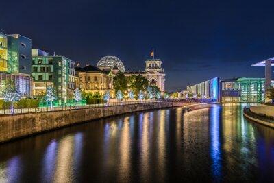 Carta da parati Distretto governativo di Berlino di notte