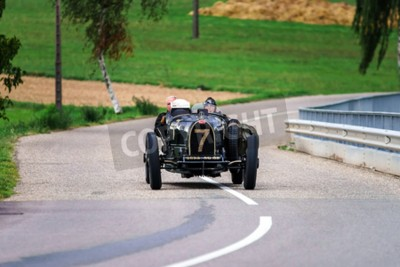 Carta da parati Editorial, 12 settembre, 2015: Francia: XXXIIeme Festival Enthousiastes Bugatti a Molsheim. Auto d'epoca.