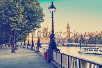 Carta da parati Effetto filtro fotografico retrò - lampione sulla riva sud del fiume Tamigi con il Big Ben e il Palazzo di Westminster sullo sfondo, Londra, Inghilterra, Regno Unito