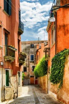 Carta da parati Facciate delle vecchie case sulla Calle Gradisca Cannaregio, Venezia