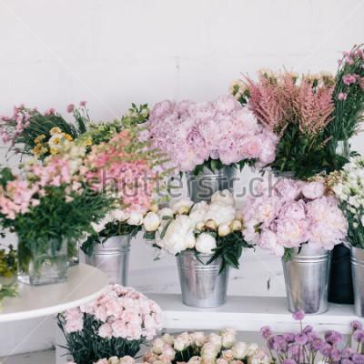 Carta da parati Fiori in vasi e secchi. Negroio di fiori.