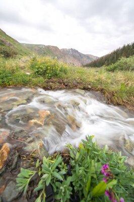 Carta da parati fiume e montagna