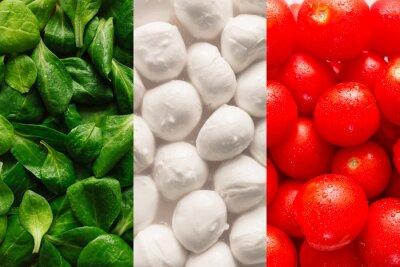 Carta da parati Flag of Italy made of basel leaves, mozzarella cheese, and cherr