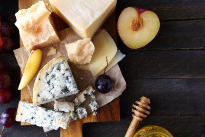 Carta da parati formaggio con frutti per antipasto