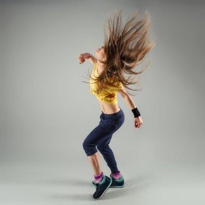 Carta da parati Giovane energico Zumba Fitness donna ballerino in movimento in classe
