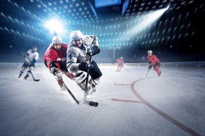 Carta da parati I giocatori di hockey spara il disco e gli attacchi