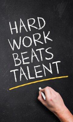 Carta da parati Il duro lavoro batte il talento