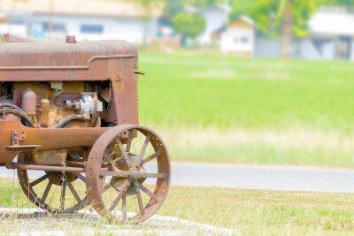 Carta da parati il trattore d'epoca nella risaia