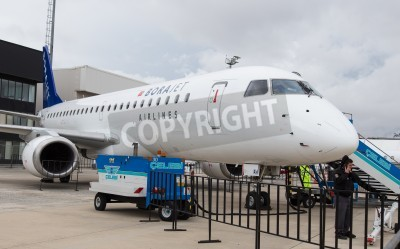 Carta da parati ISTANBUL, TURKEY - SEPTEMBER 27, 2014: Borajet Embraer E190 in Istanbul Airshow which held in Ataturk Airport