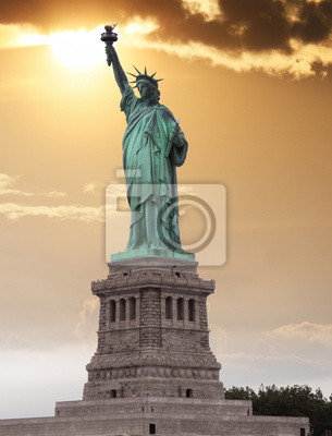 Carta da parati La Statua della Libertà, è una scultura neoclassica colossale su Li