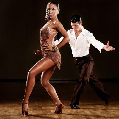 Carta da parati latino coppia di ballerini in azione