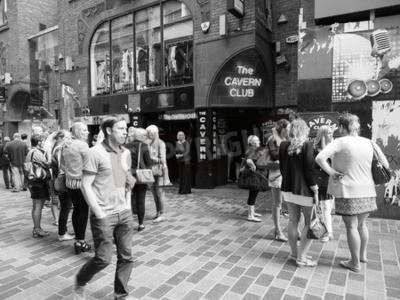 Carta da parati LIVERPOOL, UK - CIRCA GIUGNO 2016: Discoteca Club Cavern al 10 Street di Mathew dove i Beatles giocavano in bianco e nero