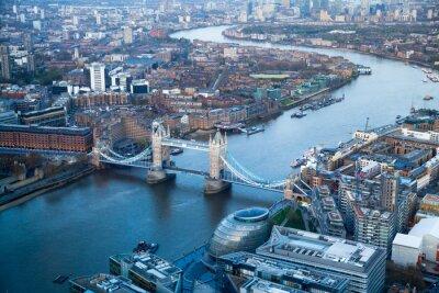 Carta da parati LONDON, UK - APRIL15, 2015: Tower Bridge di tramonto.