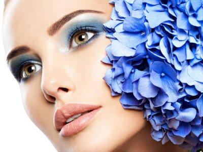 Carta da parati Makeup Face Flower Blue Woman Fashion