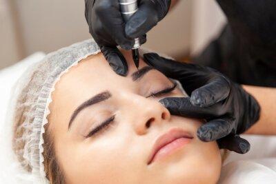 Carta da parati Makijaż permanentny brwi - zabieg w salonie piękności