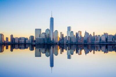 Carta da parati Manhattan Skyline con l'edificio One World Trade Center a tw