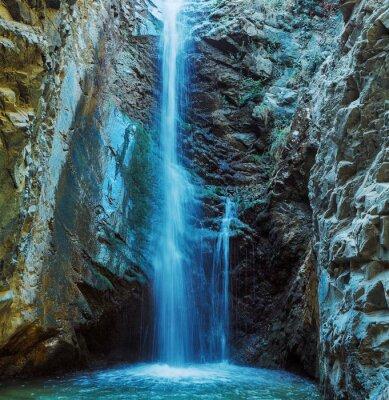 Carta da parati Millomeris Cascata in Rock Cave, montagne di Troodos