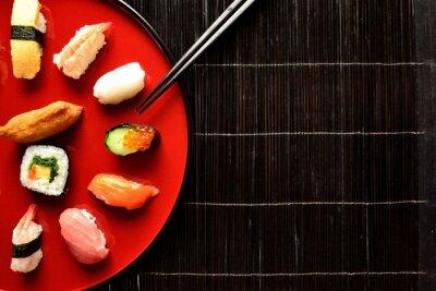 Carta da parati Mixed sushi platter with chopsticks