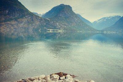 Carta da parati Montagne e il lago in Norvegia,