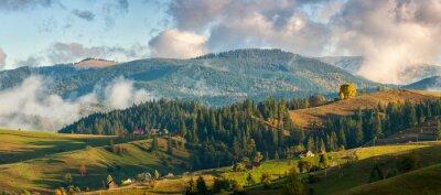 Carta da parati Montagne nelle nubi