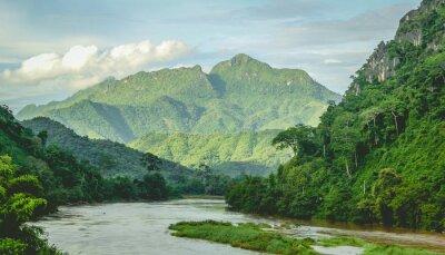 Carta da parati Monti Rainforest paesaggio fluviale a Nord Laos