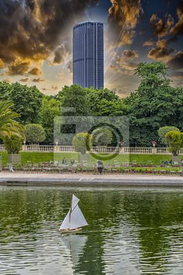 Carta da parati Montparnasse torre vista dai giardini del Lussemburgo